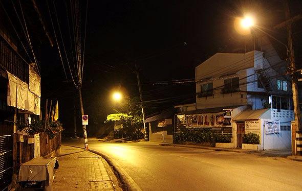 chiang-mai-night-empty-streets