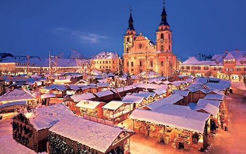 christmas-market_2723591a.jpg