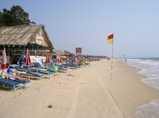 beach-shacks-on-betalbatim